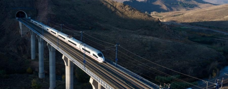 BARCELONA-MADRID BY HIGH-SPEED TRAIN ON SATURDAY PIANO 4*