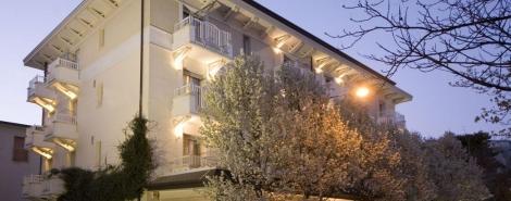 MAESTRALE SUITE HOTEL (RICCIONE)